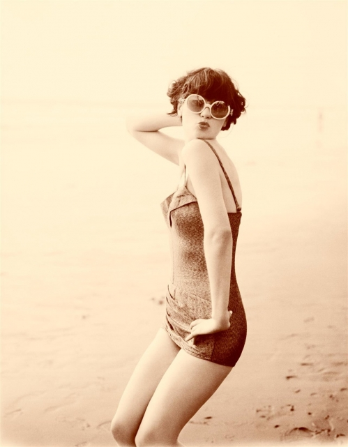 Zooey Deschanel - Pin-up